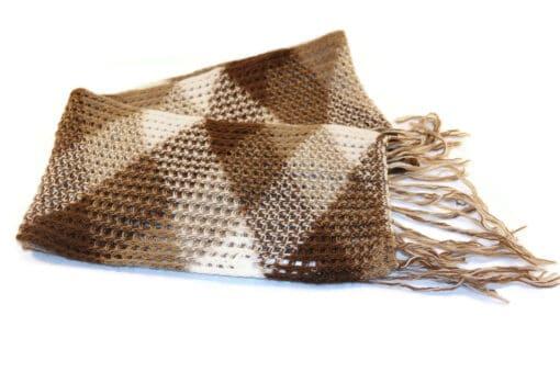 Handgemachter Babyalpaka Schal, Motiv Dreieck, braun