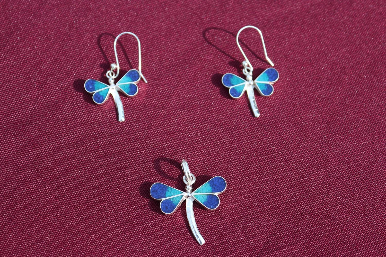 Set Silber-Ohrringe mit Anhänger Libelle