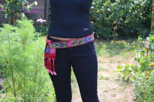 Bestickter Gürtel ohne Schnalle mit Blumenmuster