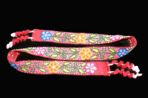Bestickter Gürtel ohne Schnalle mit Blumenmuster, rot