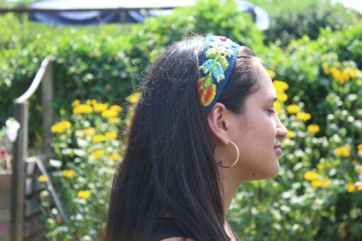 Besticktes Stirnband blau