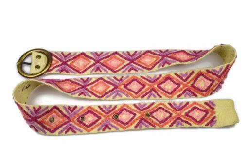 Bestickter Gürtel Karo, weiß mit rosa