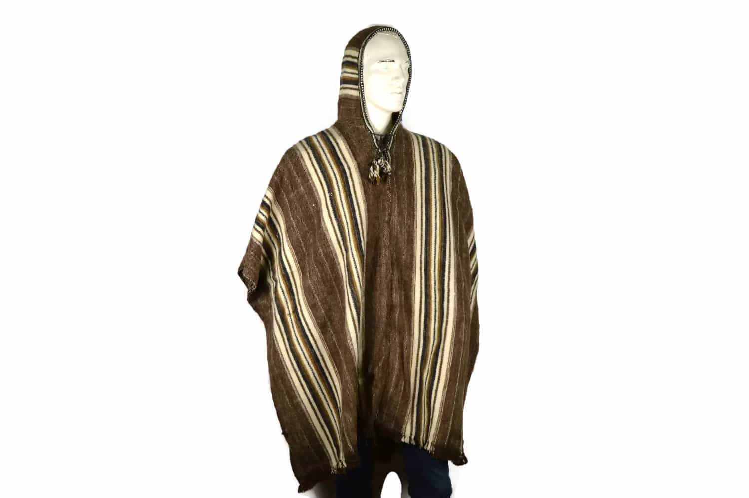 robuster poncho aus schafswolle f r sie und ihn handmade from peru. Black Bedroom Furniture Sets. Home Design Ideas