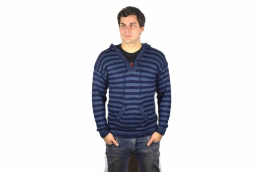 Gestreifter Pullover mit Kängurutasche blau