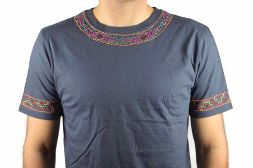 Shipibo Shirt Kaposi XL Modell 2