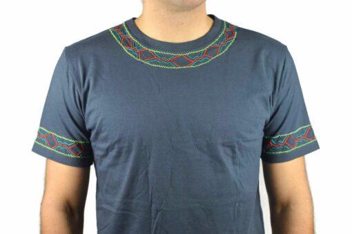 Shipibo Shirt Kaposi XL Modell 3