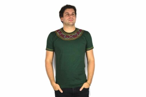 Shipibo Shirt Grün Accai L Modell 1