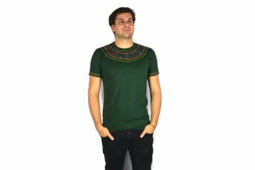 Shipibo Shirt Grün Accai L Modell 3