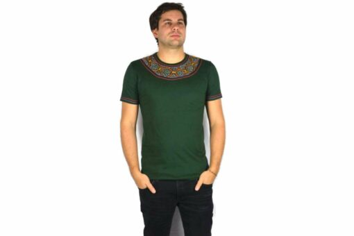 Shipibo Shirt Grün Accai L Modell 4