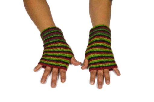 Alpaka Handschuhe Rayas Grün Modell 2