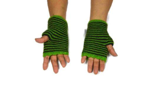 Alpaka Handschuhe Rayas Grün Modell 3