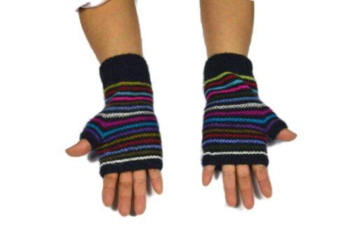 Alpaka Handschuhe Regenbogen Modell 2