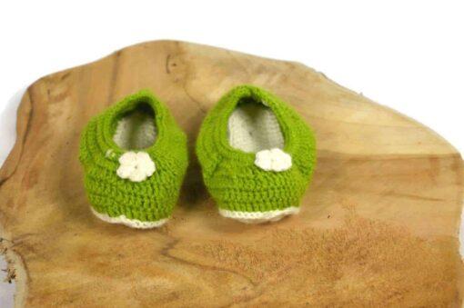 Babyschuhe aus Baumwolle grün