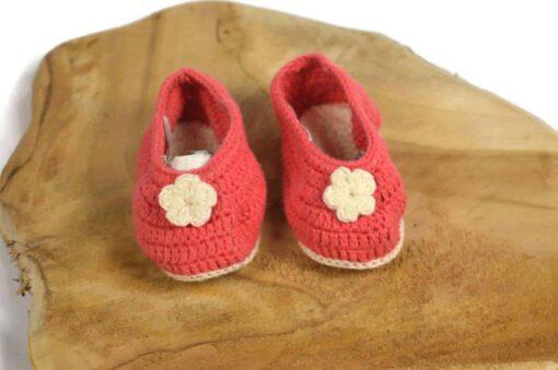 Babyschuhe aus Baumwolle rot